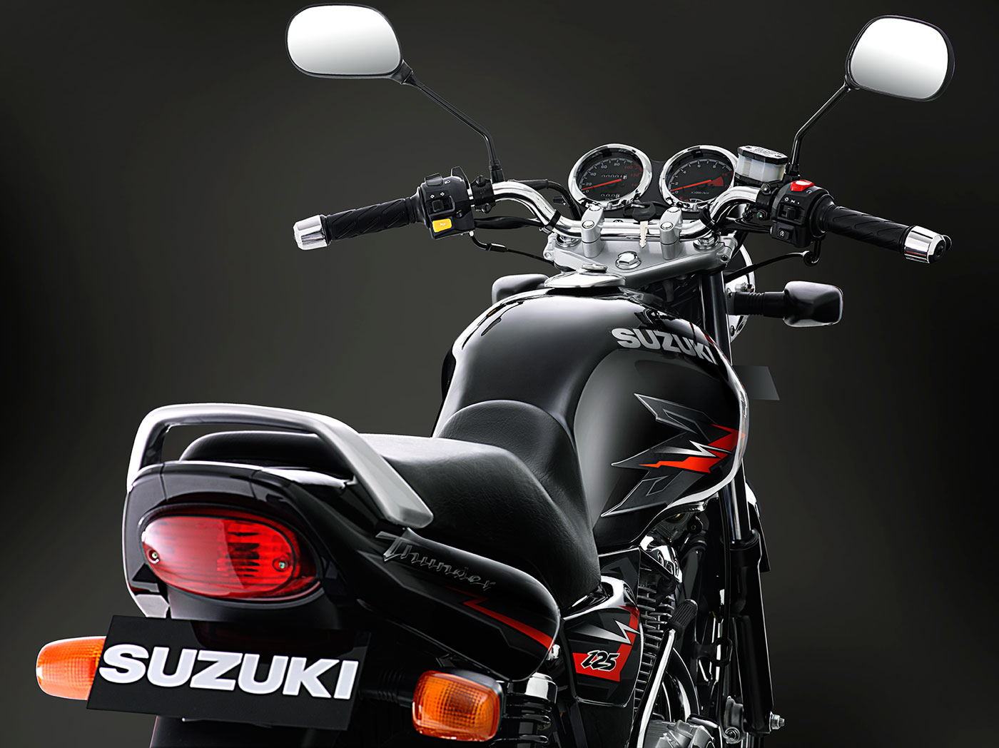 Suzuki-THUNDER-Black-BackView